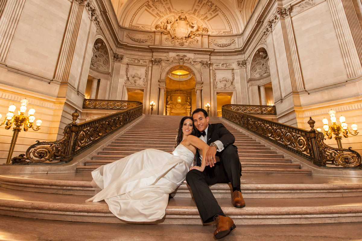 San Francisco City Hall is a Fantastic Place to Elope or Have Your Wedding