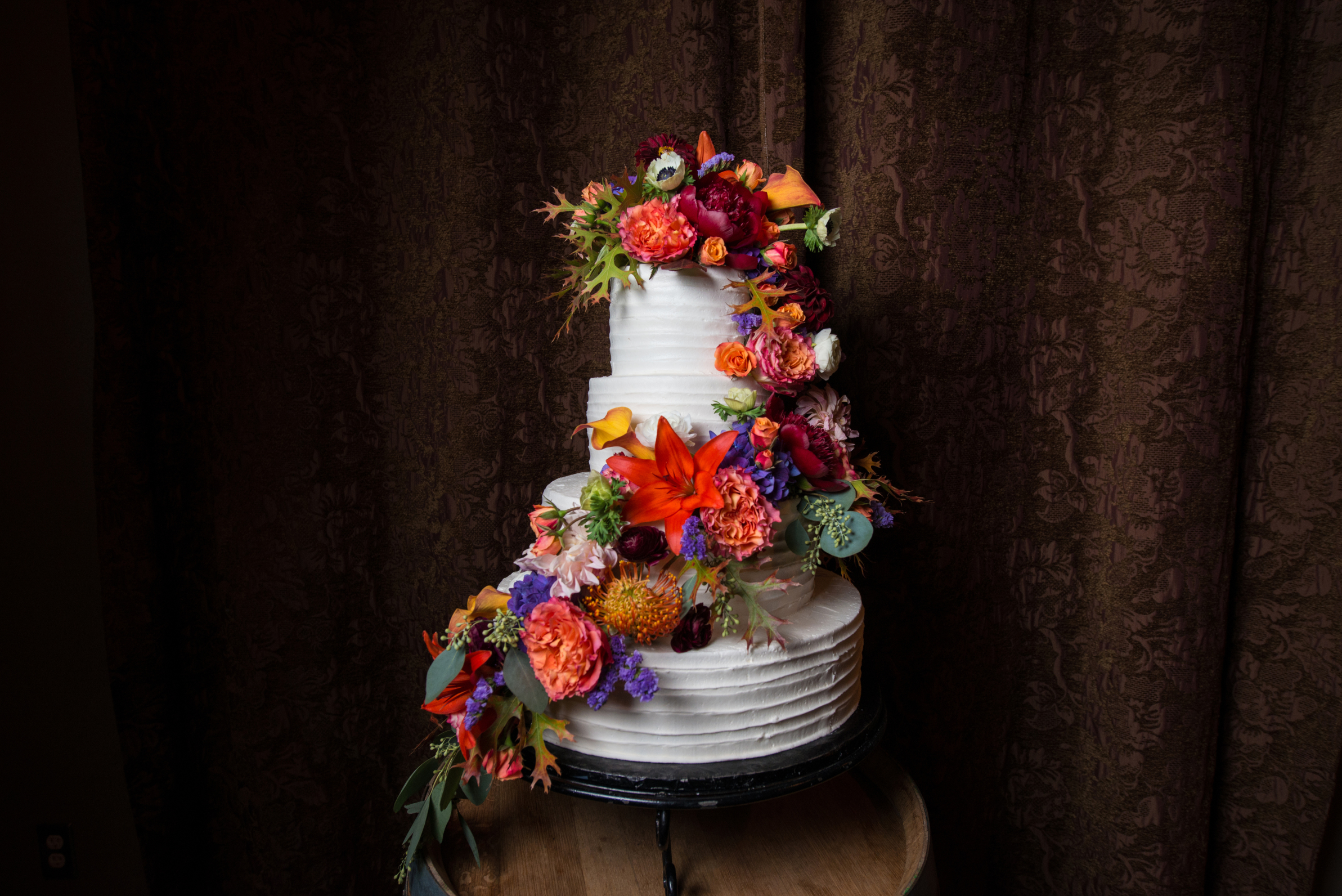 27060409 Colorful Floral on White Wedding Cake