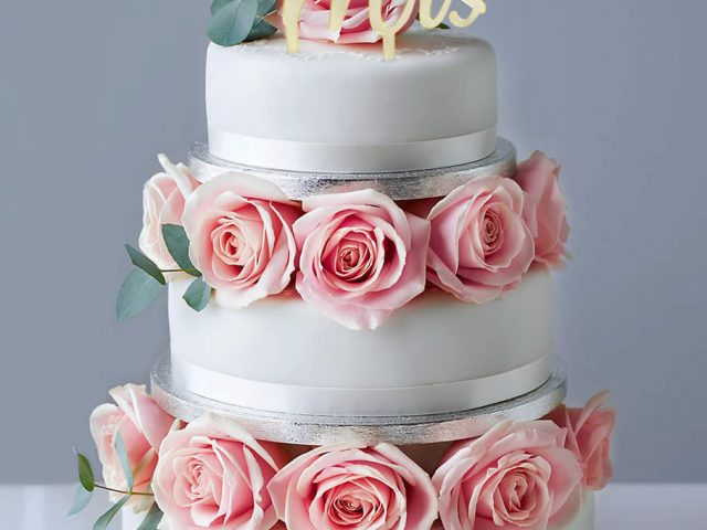 Add Some Flair to Your Wedding Cake with an NDear Cake Topper