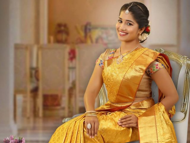 Choosing Great Looking Wedding Sarees for Your Wedding