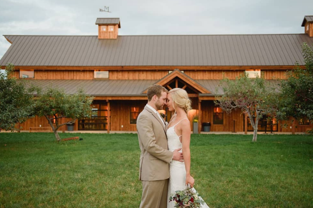 Get That Rustic Wedding at This Sioux Falls Wedding Venue
