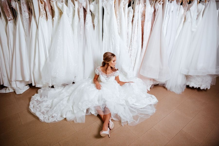 How to Find Your Dream Wedding Dress in 6 Steps