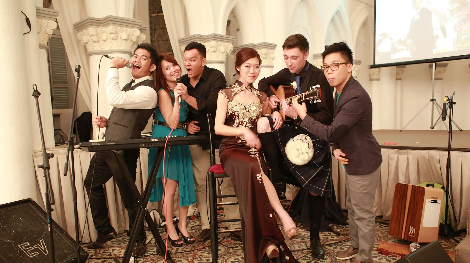 A Unique and Memorable Way for Music at Your Wedding: A Live Band