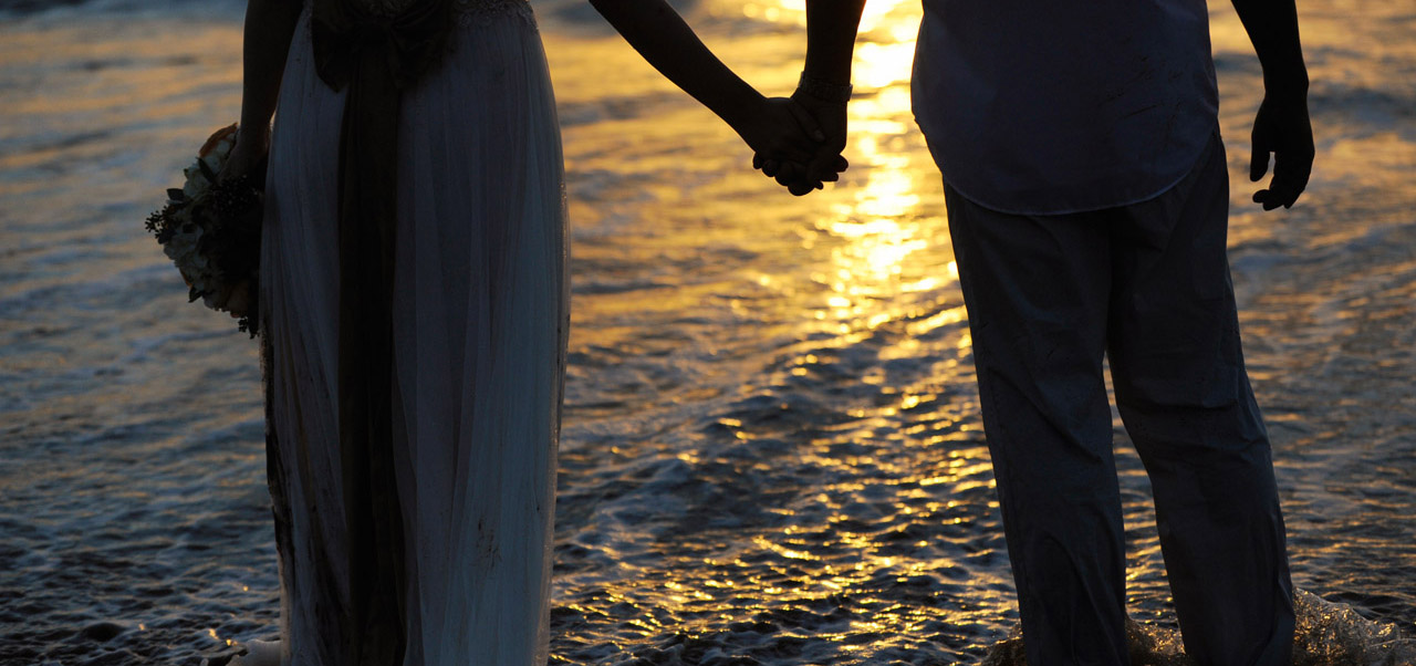 Thinking About Eloping to Hawaii? Consider Maui Wedding Photography